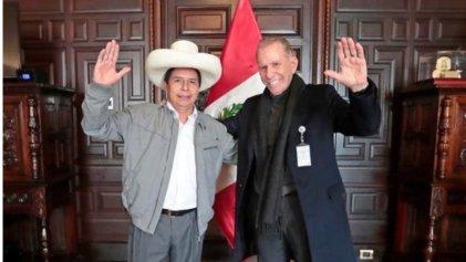 Pedro Castillo nombró como su asesor al empresario xenófobo y misógino Ricardo Belmont